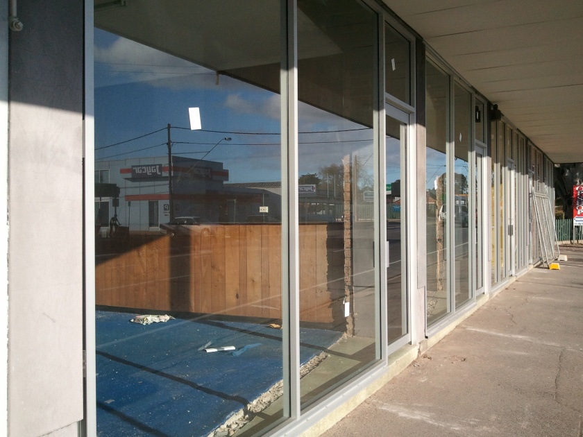 Commercial aluminium shop fronts. doors and windows.