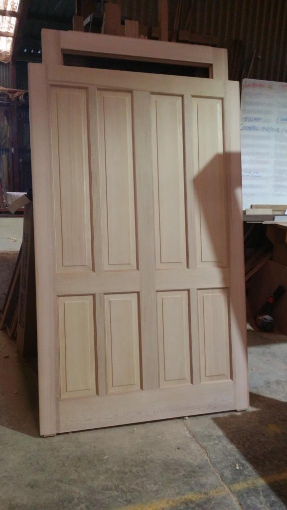 2070 x 1300 ceddar 6 panel door
