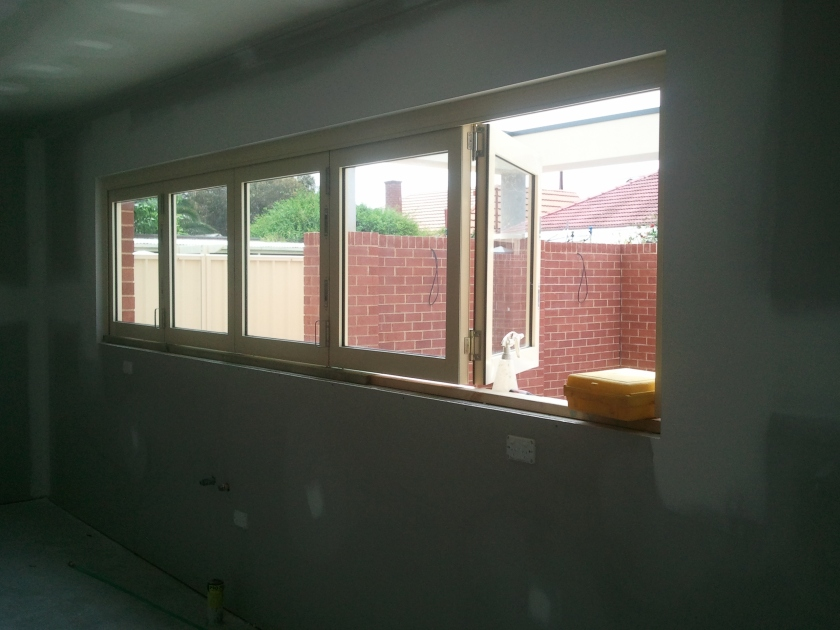 Primrose aluminium bifold window. Commercial framing.